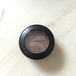 New MAC Cosmetics Single Eyeshadow in Satin Taupe